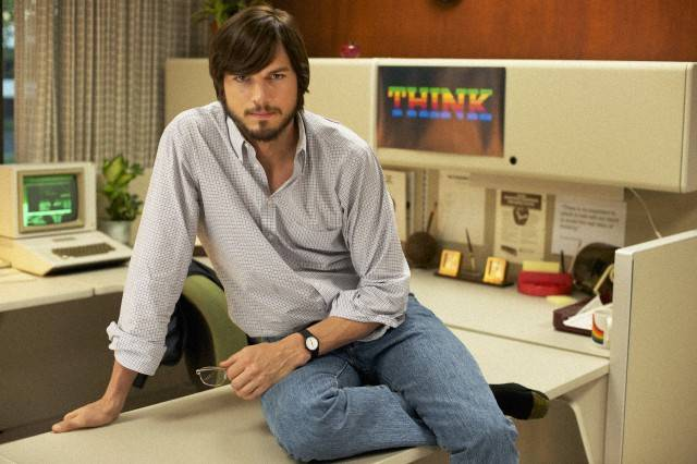 000017.17055.jOBS_still1_AshtonKutcher__byGlenWilson_2012-11-23_04-41-03PM-640x426