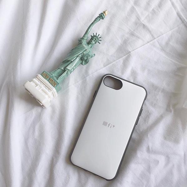 """わたしは""""IIIIfi+ (イーフィット)""""派。ぽってり感が可愛いインスタ映えするiPhoneケース見っけ♡"""