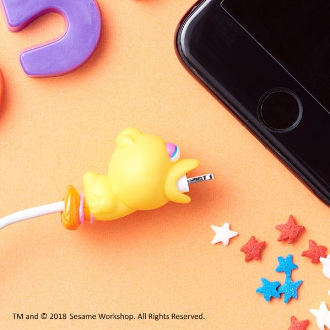 エルモにクッキーモンスターにバルタン星人も!話題のiPhoneアクセ『ケーブルバイト』に新キャラクターが登場♡
