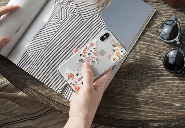 iPhoneのデザインを活かしたケースが素敵♩Spigenの「リキッド・クリスタル」シリーズなら保護力も安心