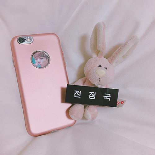 """iPhoneだって""""くすみカラー""""がいい!女の子っぽ、くすみピンクのiPhoneケース集♡"""
