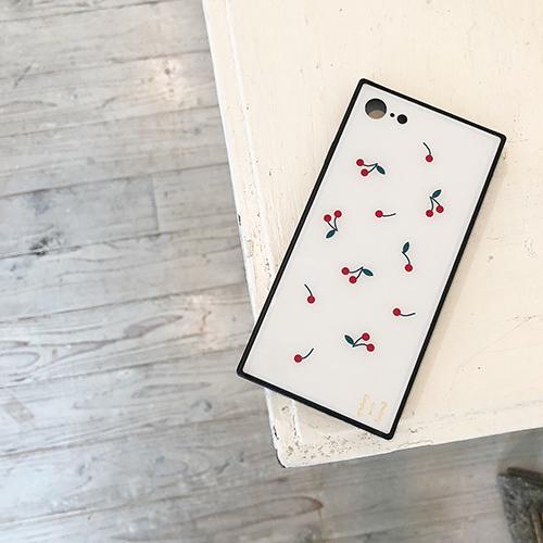 """スクエア型ケース「TILE」とコラボのケース発売♡ 女の子の""""好き""""を詰め込んだ4種類のiPhoneケース"""