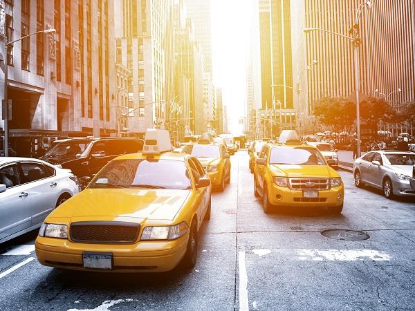 終電を逃した時の強い味方!マッチングも支払いもスムーズにできちゃうタクシー相乗りアプリ『nearMe.』♩