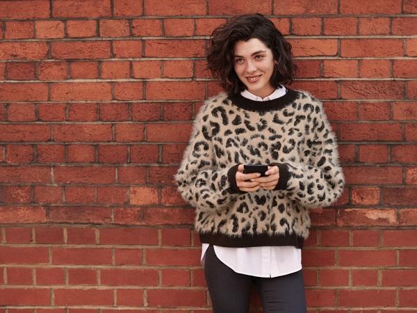 「なんとなくこんな感じ…」で欲しいアイテムを探せる♡写真から洋服を探せる『H&Mアプリ』の新機能がすごい!