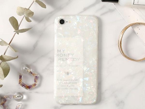 """""""挟むだけ""""のアレンジが可能♡クラッシュシェルのようなニュアンスのある透明感が魅力のiPhoneケースが登場!"""