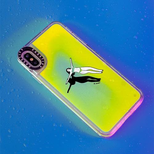 トレンドのネオンカラーが暗闇で光る!自分好みにカスタマイズもできる「ネオンサンドiPhoneケース」があなたもきっと欲しくなる♡