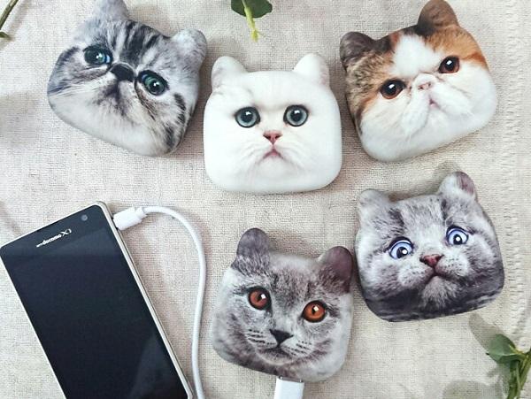 猫のお顔を借りて充電不足を解消♩リアルな顔な表情がたまらなく可愛い『アニマルフェイスモバイルバッテリー』