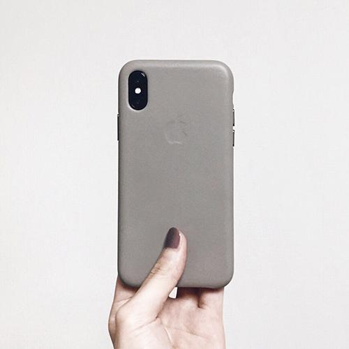 長く愛用できる上にかわいい♡くすみカラーのiPhoneケースを探しているならApple純正品がおすすめ!