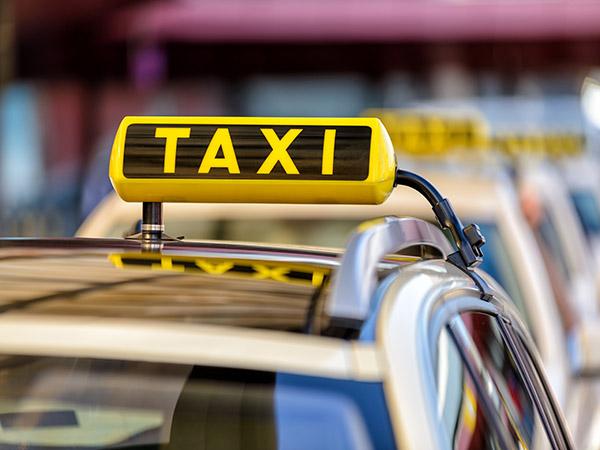すぐ呼べてすぐ乗れるタクシー配車アプリ「MOV」はもう使った?