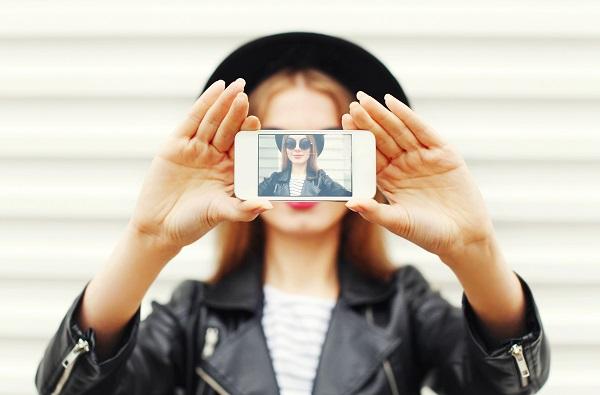 美肌、モザイク、ふんわりフィルター。インスタ投稿に欠かせない機能搭載のアプリ『PhotoQualia』がもう手放せない!