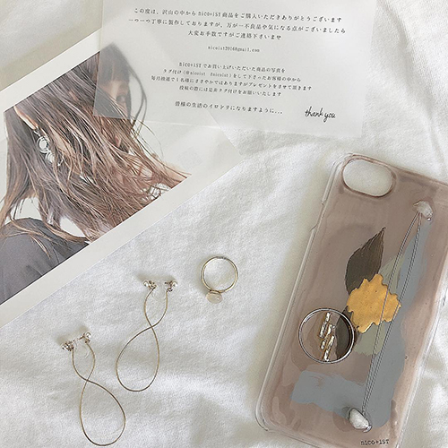 唯一無二の世界観。おしゃれさんが注目するブランド「nico+isT」のアンニュイなiPhoneケースがかわいいんです♡