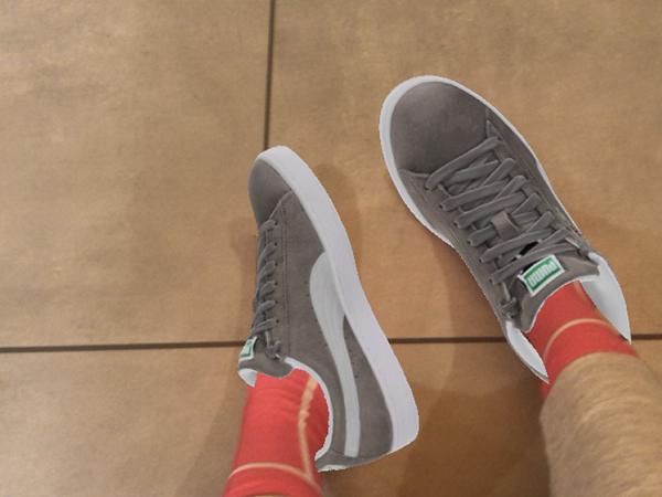 本当に履いてるみたい…スマホさえあれば自宅で靴を合わせられるARアプリ『Wanna Kicks』が楽しすぎる♡