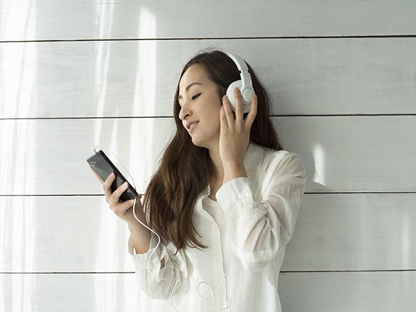 声に癒されたい人におすすめ!人気ラジオ配信アプリ「SPOON」魅力的な声に夢中になりそう♡
