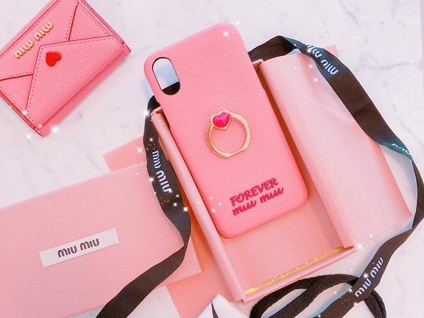 初めてのハイブランドケースはこれ♡インスタ映えも抜群な「miumiu」のiPhoneケースが圧倒的かわいさ