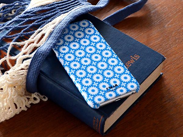 みんな大好き北欧デザイン。幾何学模様や自然をモチーフにした柄が大人かわいいiPhoneケース♡
