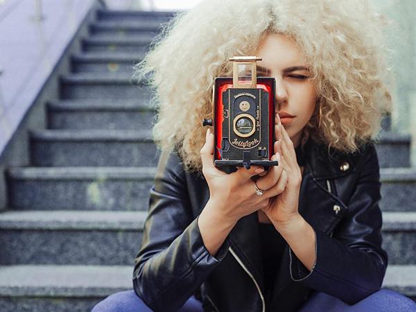 レトロかわいいインスタントカメラ「Jollylook」♡ヴィンテージデザインの厚紙アナログカメラで写真を撮ってみない?