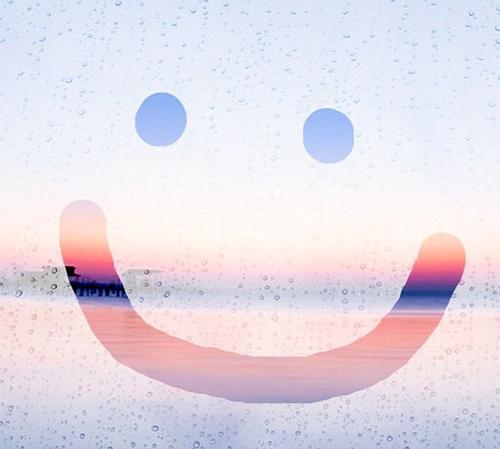 曇りガラスを指でなぞった画像が神秘的♡加工アプリ「Fog Win 」はもう試してみた?