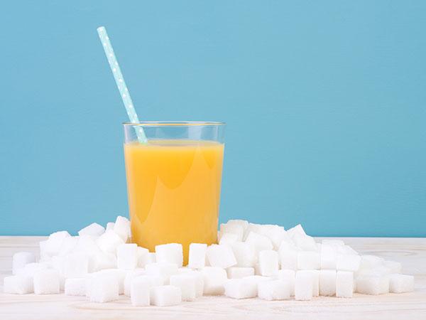 糖分の取りすぎにご注意!飲み物に含まれる糖分量を可視化してくれるアプリ「サトウさん」が話題♩