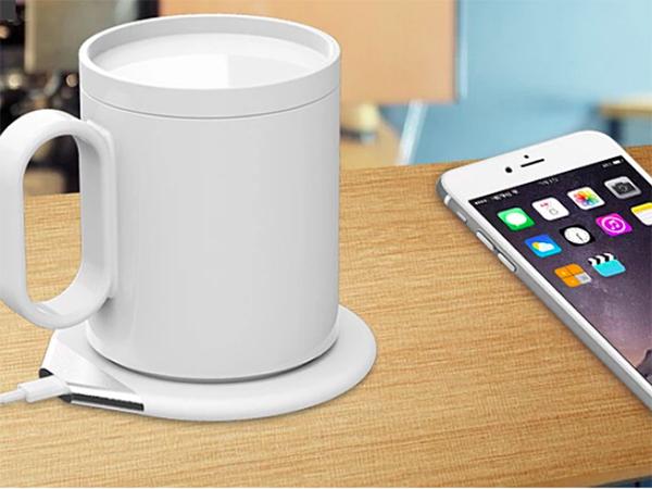 1つ2役で机周りがすっきり。ワイヤレス充電器にもなるドリンクの温度をキープできる専用マグカップが登場♡