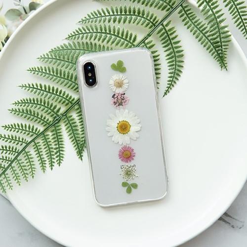 季節の変わり目はiPhoneケースの買い換え時♡春っぽiPhoneケースをピックアップ♩