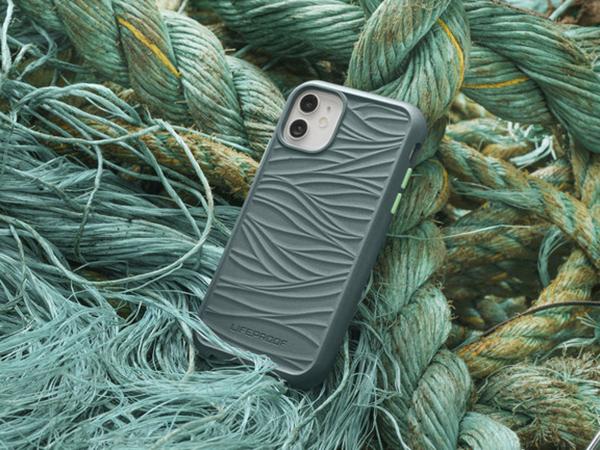 iPhoneケースも環境に優しい物を選びたい。LifeProofなら再生プラスチックを使ったエコなケースが見つかるんです♩