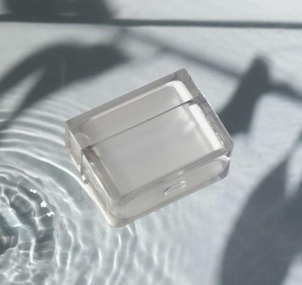 さわやかで繊細な見た目に一目惚れ。「salisty」から透明感あふれるAirPods Pro専用ケースが登場です