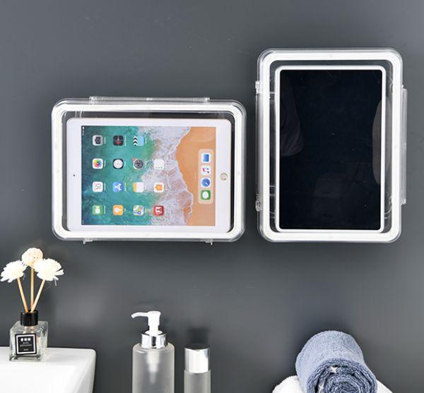 """バスルームが""""ミニシアター""""に変身しちゃうかも。タブレットやスマホが壁付けできる防水ケース「Suborca」"""