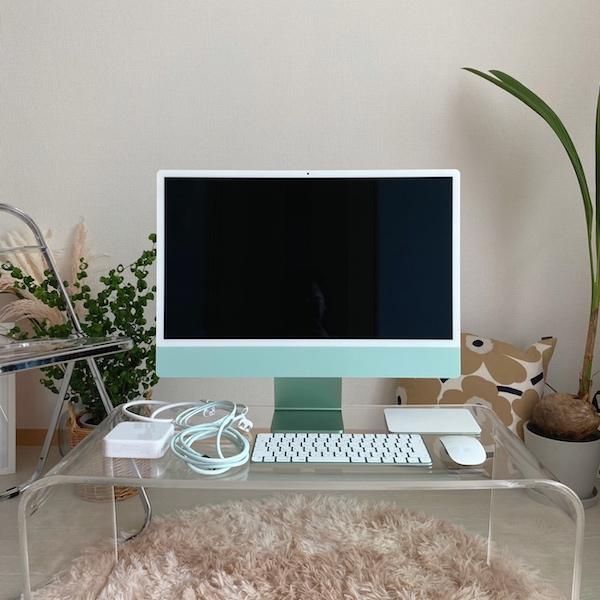 正直ノートPC派だったけど、デスクトップもありかも。見た目もかわいい新iMacは大学生にもぴったりでした