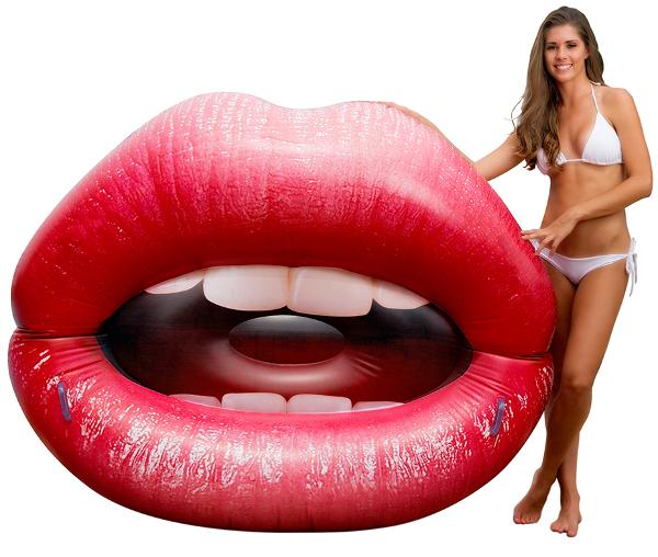 LipsLounger01