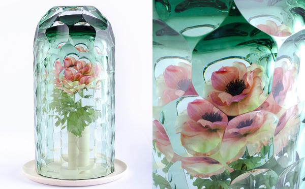 まるで万華鏡のよう…!一輪の花が一瞬でブーケに変身するフラワーベース