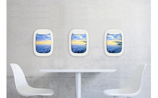 """お部屋が機内に!?""""飛行機の窓""""をモチーフにした写真立てがユニーク"""