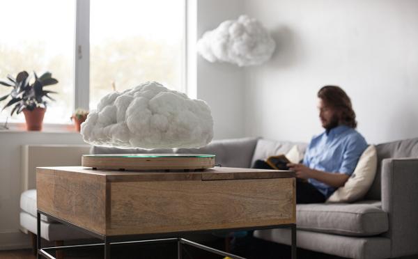 お部屋の中に雷雲…!?ふわふわ宙に浮く雲型ライト&スピーカーが幻想的!