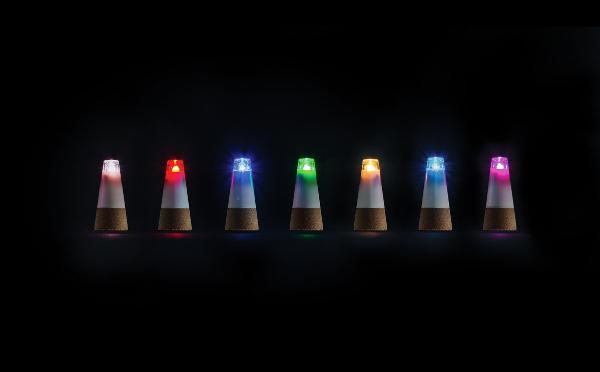 ホムパが盛り上がりそう☆ボトルがカラフル照明になるコルク栓がステキ