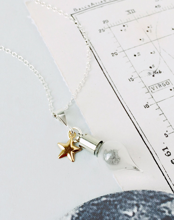 Moon_dust_necklace_1