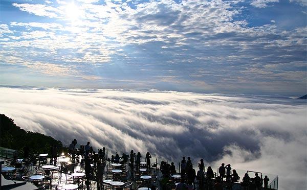 「星野リゾート トマム」の雲海テラスが今年もオープン!絶景を楽しむ旅はいかが?