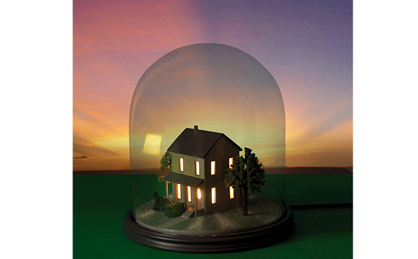 小さなおうちに灯りがポッ♪ミニチュアの家型ランプに心が和む