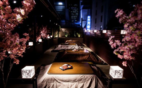 赤坂で大人のお花見♪桜を見ながらこたつで鍋が食べられるテラスがステキ