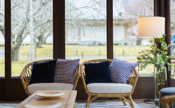 お花見に最適♡京都・醍醐寺にイケア家具でコーディネートしたカフェがオープン