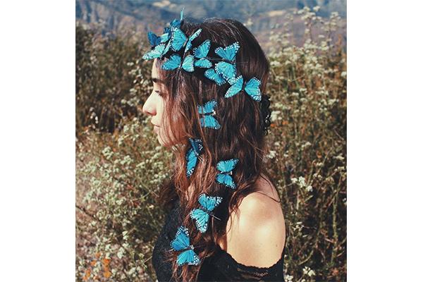 パーティーやフェスにぴったり♡蝶々モチーフのヘッドピースがかわいい!