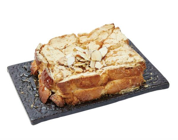 きな粉餅トースト (定番商品:550円税込)