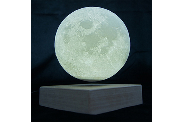"""柔らかな月光に癒やされる♪ふわりと浮遊する""""ムーンライト""""が神秘的で美しい"""