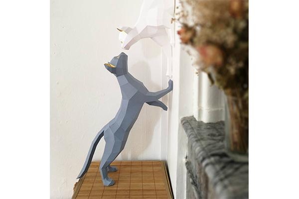 壁の中から飛び出してる?!すぐに作って飾れる「3Dペーパー・オブジェ」が存在感バツグン