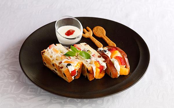 ほんのり焼いたレーズンパンが絶妙!資生堂パーラーの新作フルーツサンドがおいしそう♡
