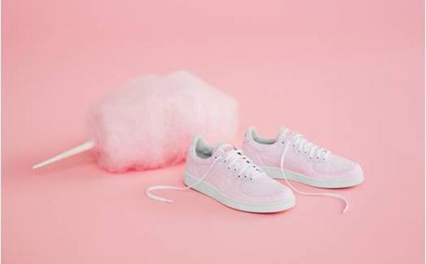 わたあめみたいな甘い色♡オニツカタイガー×デンマークのスニーカーショップのコラボシューズが可愛い!