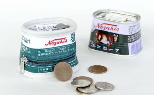 缶詰にしか見えない!? ヴィレヴァン通販に登場した原寸大の「缶詰ポーチ」がレトロかわいい♡