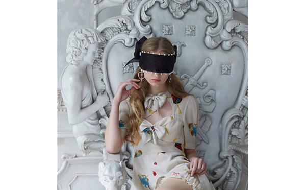 高橋愛もファン♩独特な世界観が広がる「Sretsis」の新作でガーリースタイルに挑戦!