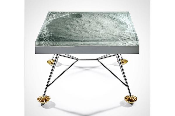 NASAのデジタルファイルを使用した月面テーブルがミステリアスでかっこいい!