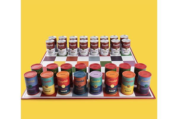 アンディ・ウォーホルの「キャンベルのスープ缶」がチェスセットに!カラフルな駒がとってもおしゃれ♡