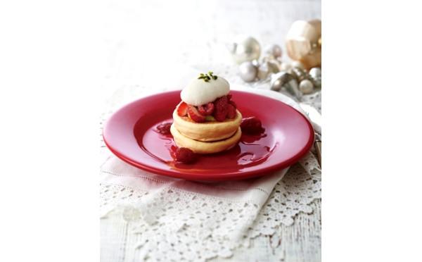 ふんわり&しっとり♡いちごとピスタチオのパンケーキがキハチカフェに登場!クリスマスの新作スイーツも