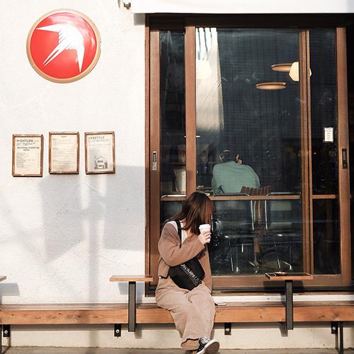 第一印象Goodガールの決め手はコレ。自分らしさ満点SNSアイコンが撮れる、カフェを見つけるお散歩旅